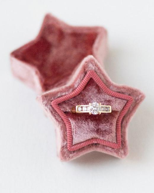 ring boxes velvet star