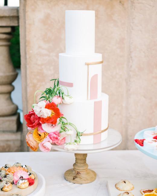 cavin david wedding floral cake
