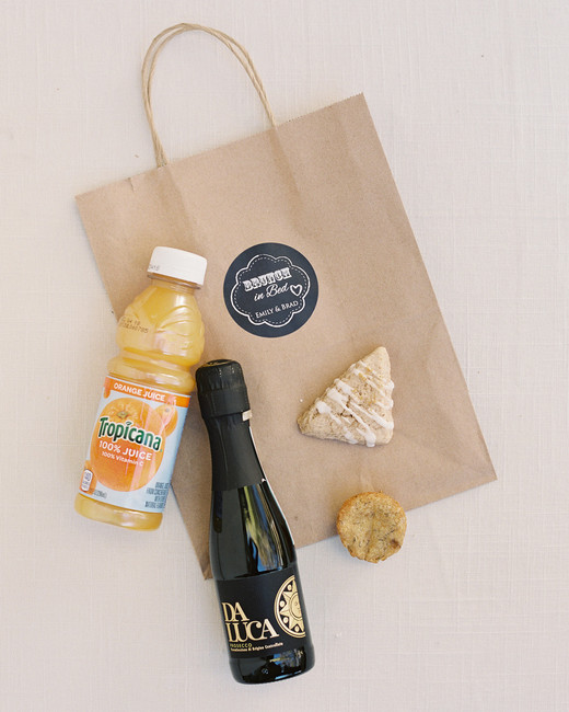brunch-to-go wedding favors