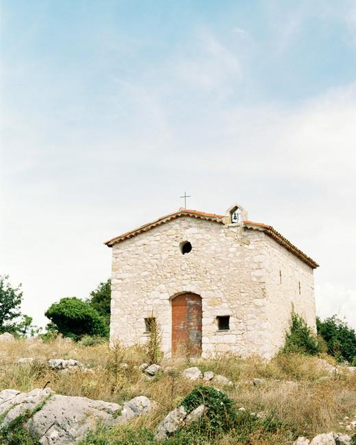 Chataeneuf Villeville south france village church