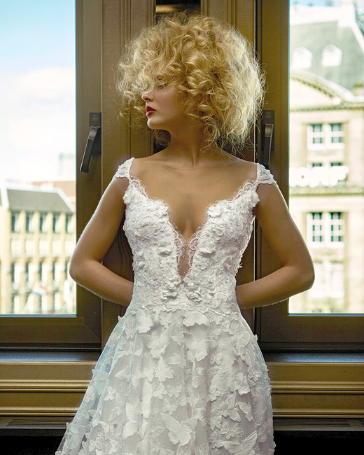olvi wedding dress spring 2019 cap-sleeved butterfly appliques