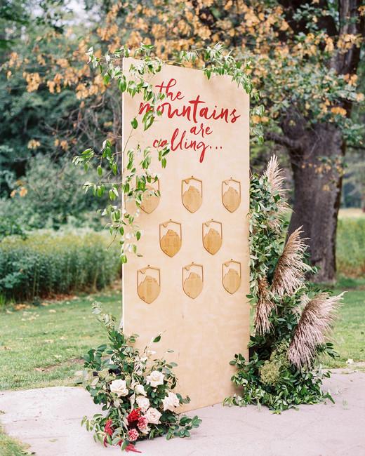 crest wedding decor the poffs