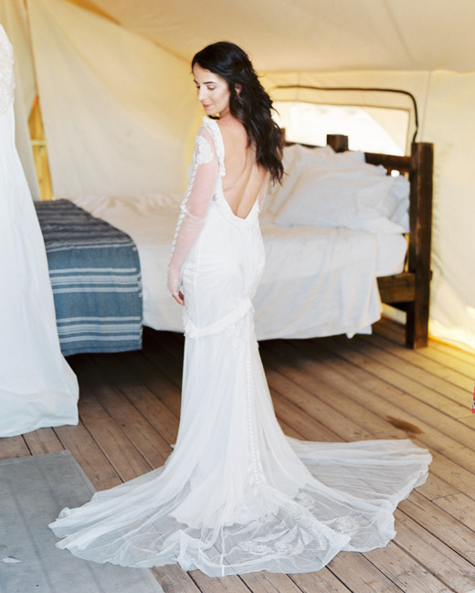 jeanette david wedding desert getting ready bride