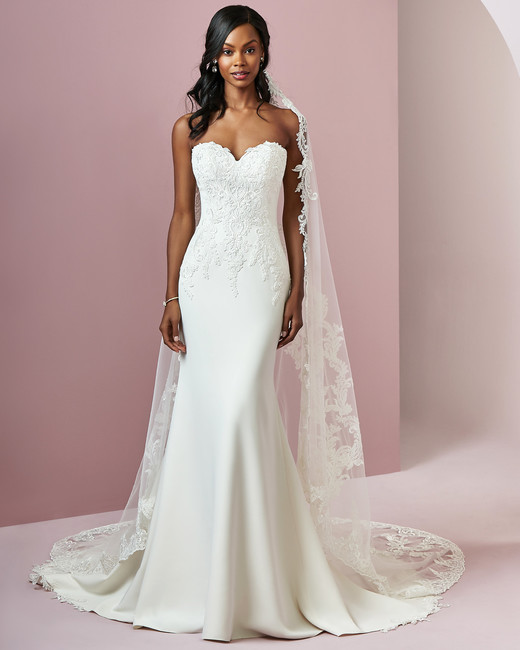 Rebecca Ingram wedding dress spring 2019 mermaid sweetheart neckline lace
