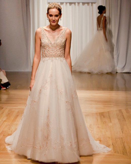 casablanca fall 2018 v-neck lace wedding dress