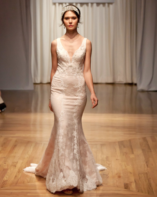 casablanca fall 2018 v-neck trumpet wedding dress