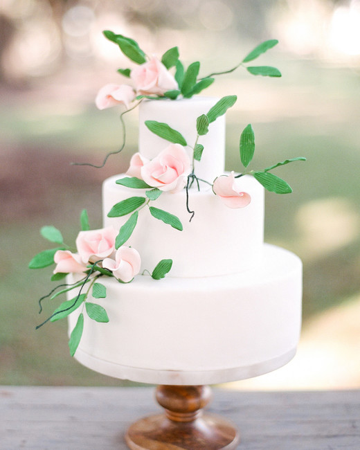 summer wedding cakes sugar buds