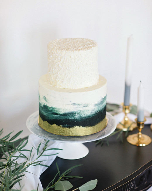 bridal shower ombre and gold foil base cake