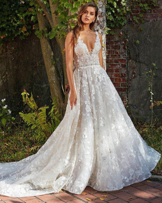 eve of milady floral v-neck with flowing skirt wedding dress fall 2018