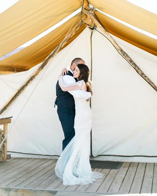 jeanette david wedding couple first look hug