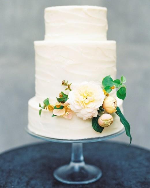 vanilla wedding cakes kayla barker