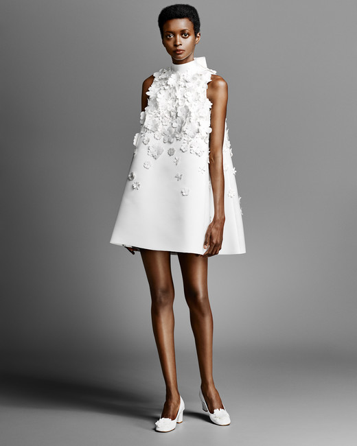 short viktor rolf wedding dress with high neck spring 2019