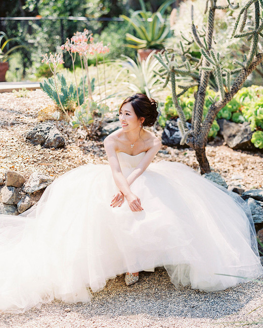 yiran yexiang wedding bride seated dress