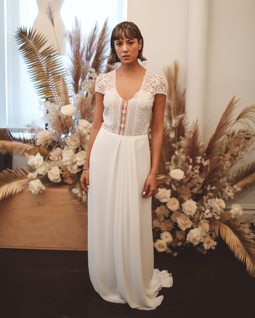 laure de sagazan fall 2019 sheath v neck lace bodice cap sleeves