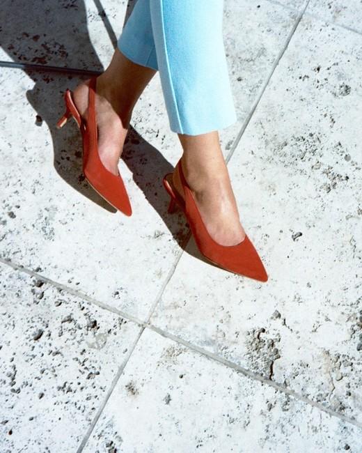 bride gift guide marais bessette pumps red