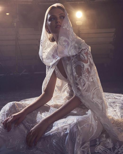 Elie Saab Embellished V-Neck Wedding Dress Fall 2018