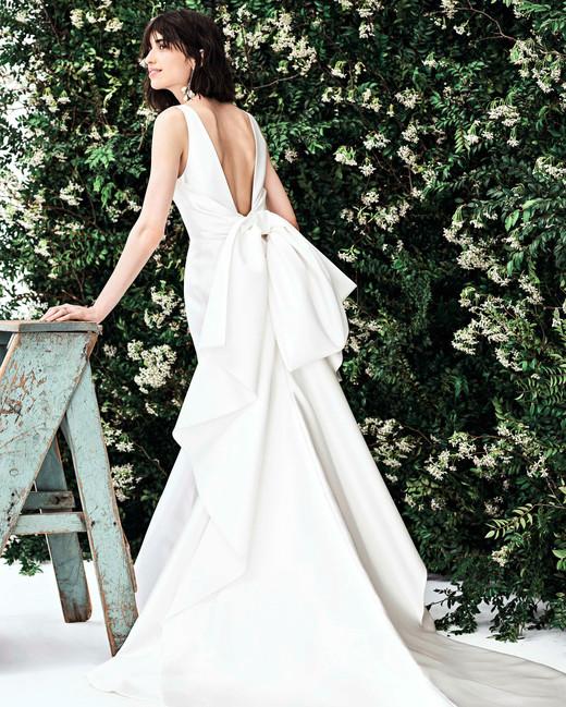 carolina herrera sleeveless low back bow wedding dress spring 2020