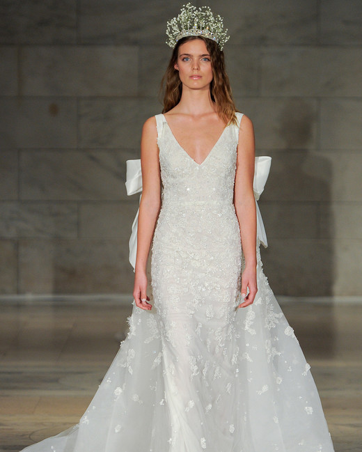 reem acra bridal market wedding dress fall 2018 v-neck