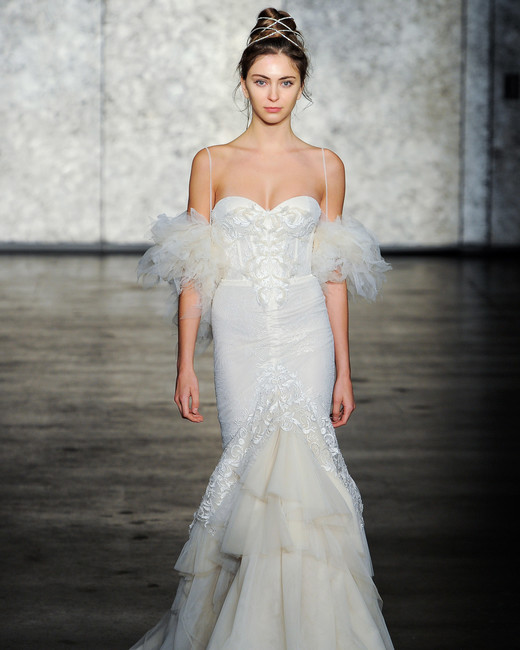 inbal dror fall 2018 sweetheart sleeve detail wedding dress