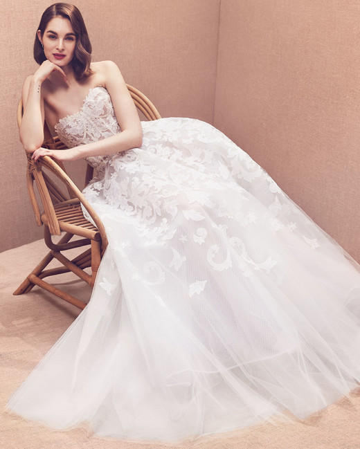 strapless exposed boning lace tulle a-line wedding dress Oscar de la Renta Spring 2020