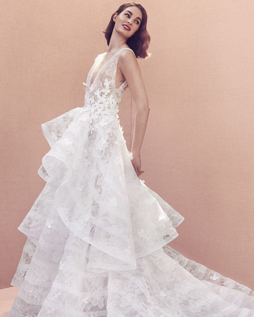 deep v-neck floral applique sleeveless tiered skirt a-line wedding dress Oscar de la Renta Spring 2020