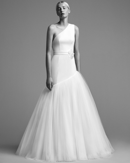 viktor rolf wedding dress fall 2018 one shoulder mermaid