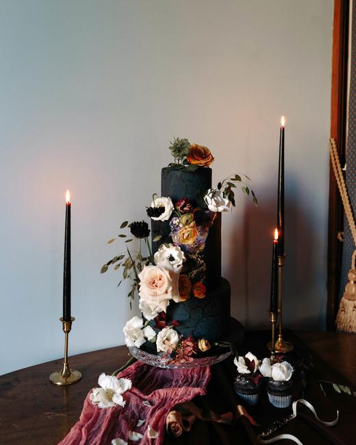 black wedding cake ryanne hollies ledolci