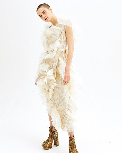 vivienne westwood spring 2019 sheath wedding dress floral ruffles