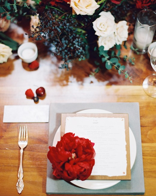 wedding placesetting red flower