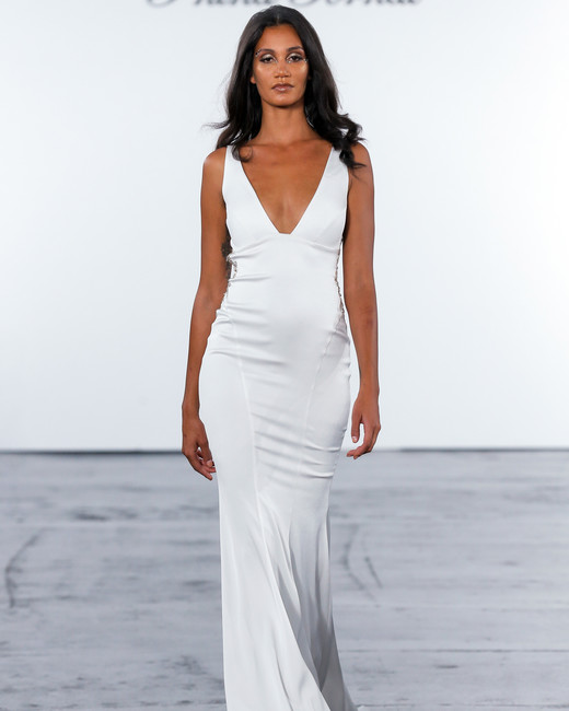 pnina tornai fall 2018 v-neck wedding dress