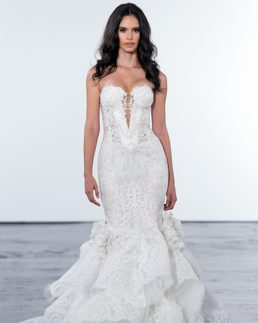 pnina tornai fall 2018 lace detail wedding dress