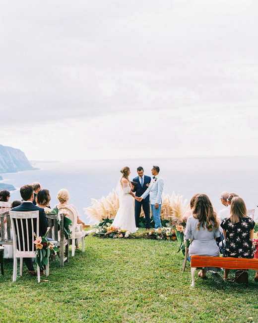 rebecca eryck wedding hawaii ceremony cliff edge