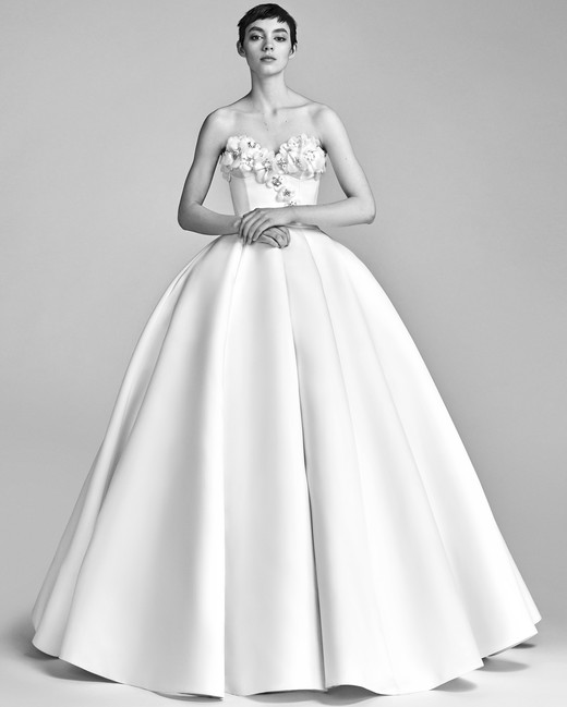 Viktor&Rolf Ball Gown Wedding Dress with Sweetheart Neckline Spring 2018
