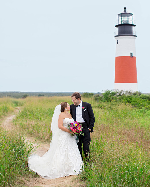 madelyn jon wedding couple and lighthouse