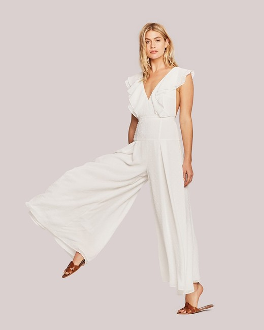 15 Chic Bridesmaid Jumpsuits  007e450f6