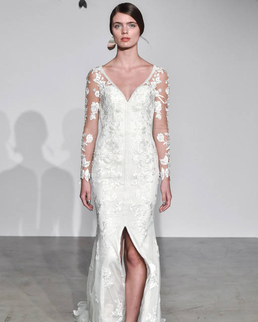 justin alexander fall 2018 v-neck long sleeve wedding dress