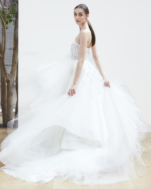 strapless ball gown Oscar de la Renta Spring 2018 Wedding Dress Collection