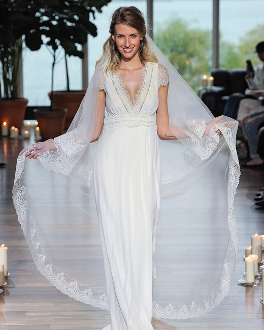 laure de sagazon fall 2018 v-neck with lace detail and veil