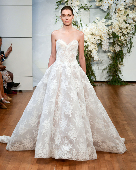 monique lhuillier sweetheart lace wedding dress spring 2018