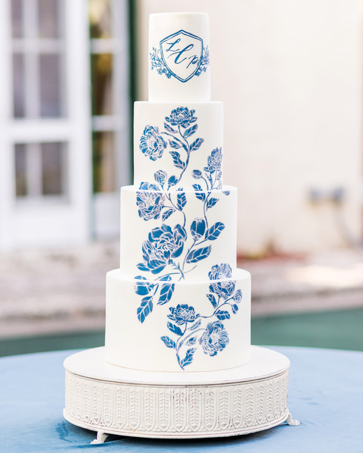 monogram wedding cake kiste photography starfish cottage