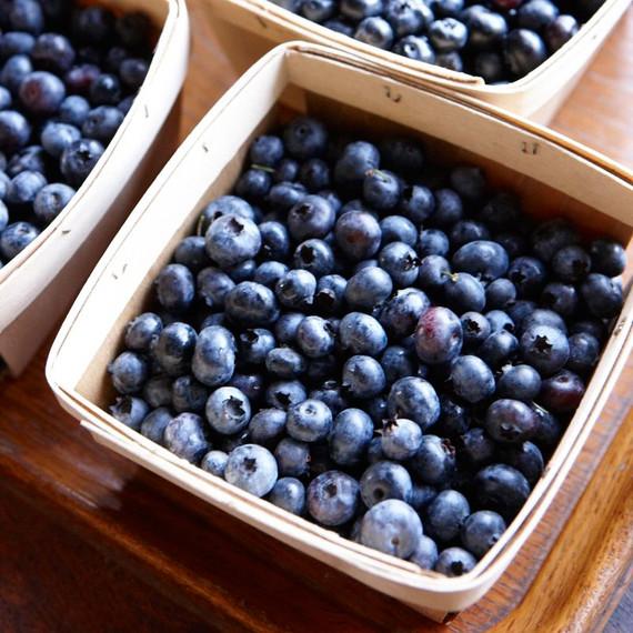 blueberries-ld107757.jpg