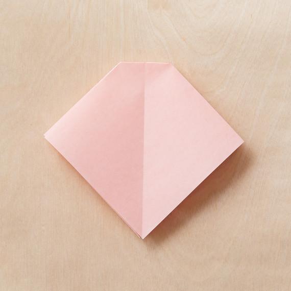 origami-bow-5-195-mwd110795.jpg