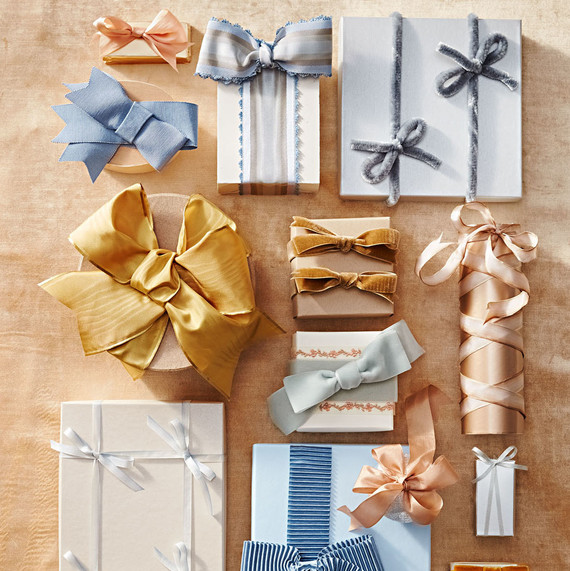 Gifts For Wedding Party Etiquette: The Etiquette Of Group Gifting