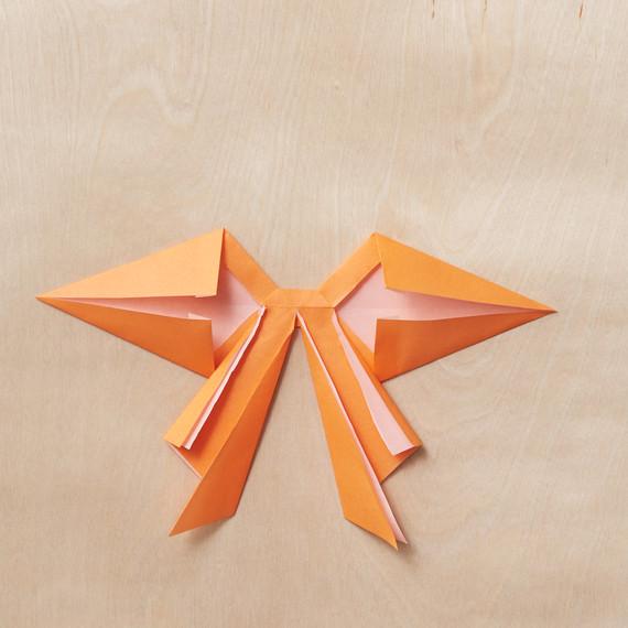 origami-bow-14-218-mwd110795.jpg