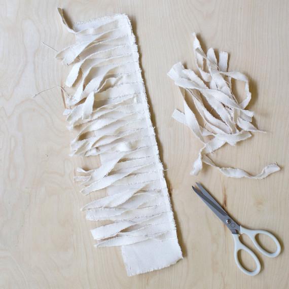 tassel scissors