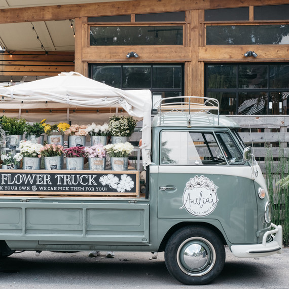 amelia's flowers bus