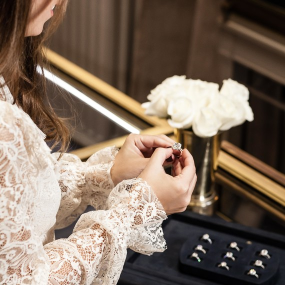 Harry Winston ring shopping