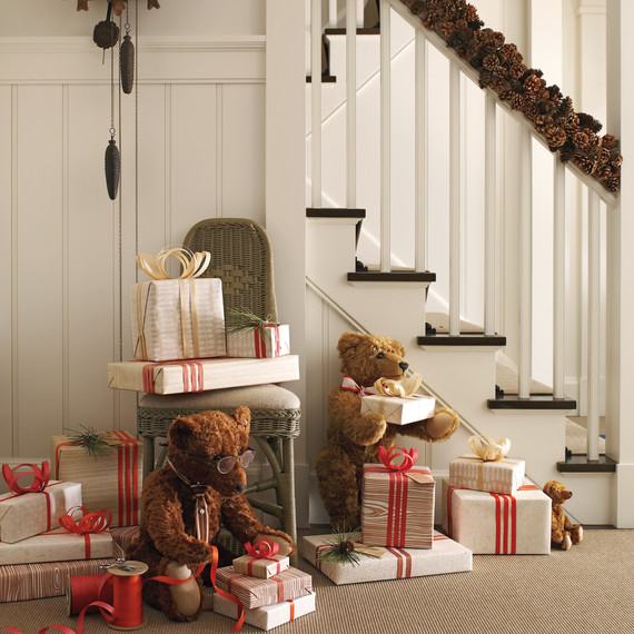 presents-616-exp2-hl-stairs-mld108759.jpg