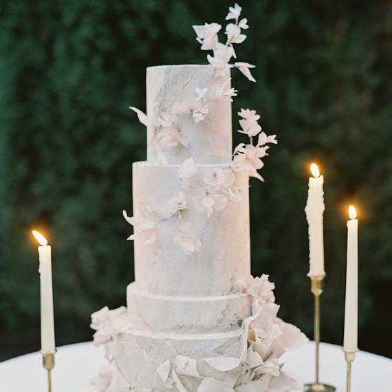 emme daji wedding marbled wedding cake