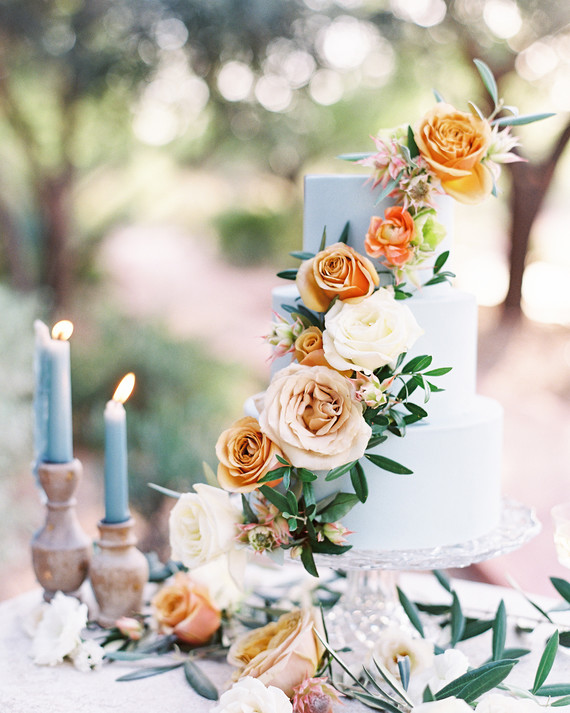 20 Amazing Fondant Wedding Cakes